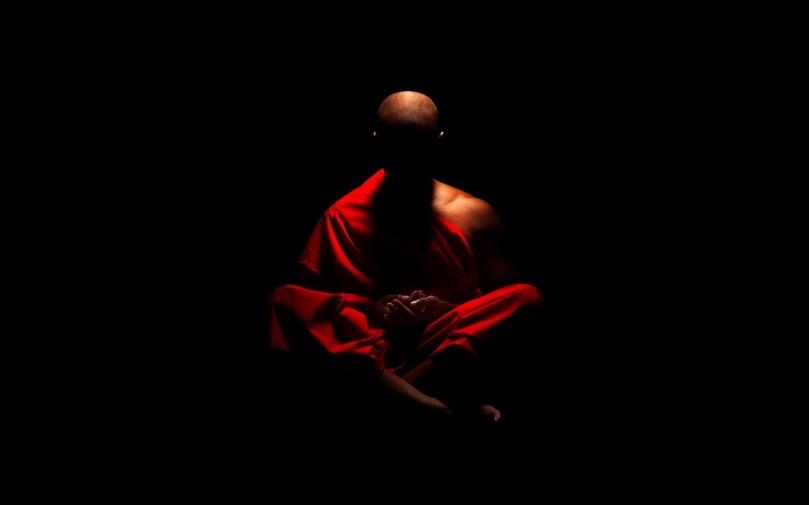 monk-meditation