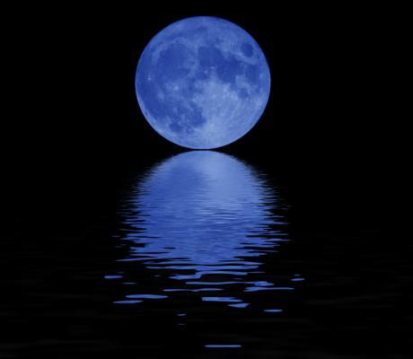 blue_moon-on-water